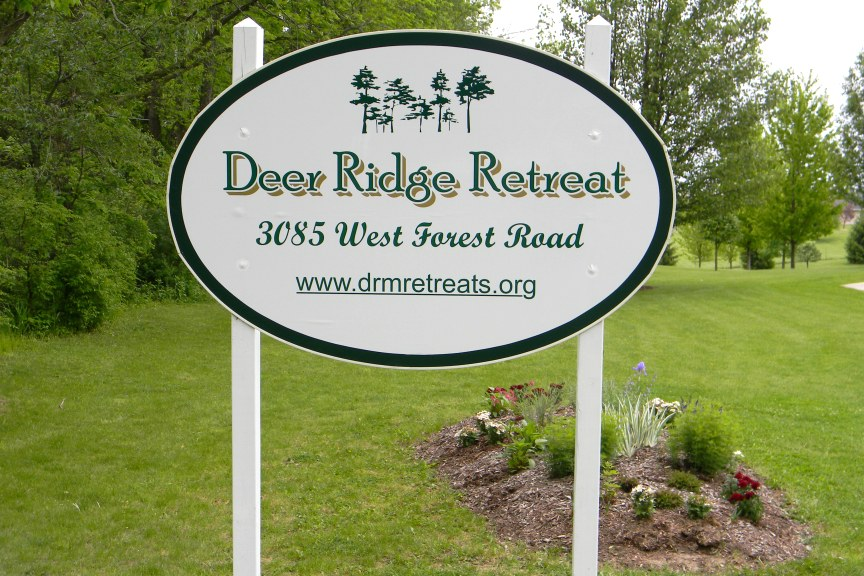 A Virtual Tour of Deer Ridge Retreat 01 of 12